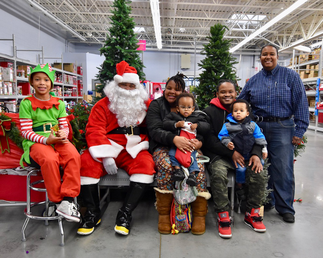 cops-in-the-community-2-cops-and-kids-santa-10